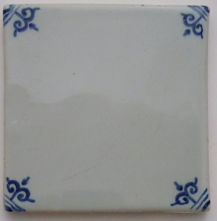 MAKKUM TILE CORNER DECOR