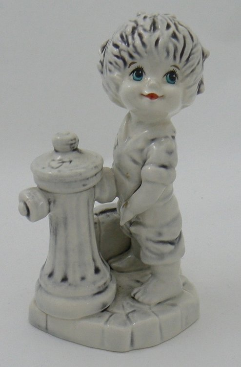 GOEBEL PORCELAIN PEEING BOY