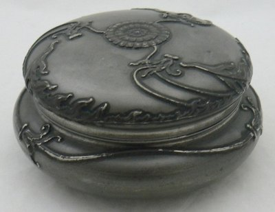 ART NOUVEAU PEWTER COVER BOX